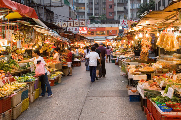Immerse yourself in the local markets of Tokyo